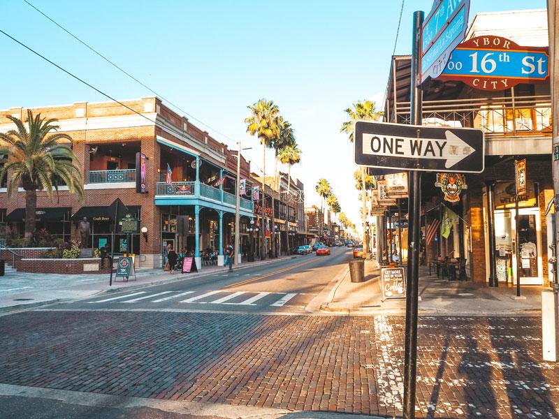Sehenswürdigkeiten in Tampa: Ybor City Straßen erleben