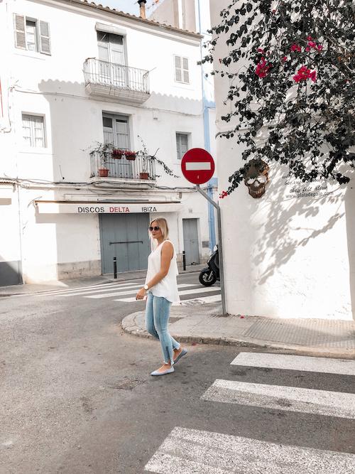Frühsommer-Outfit auf Ibiza