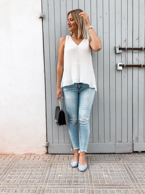 Weiße Bluse im Sommer kombinieren